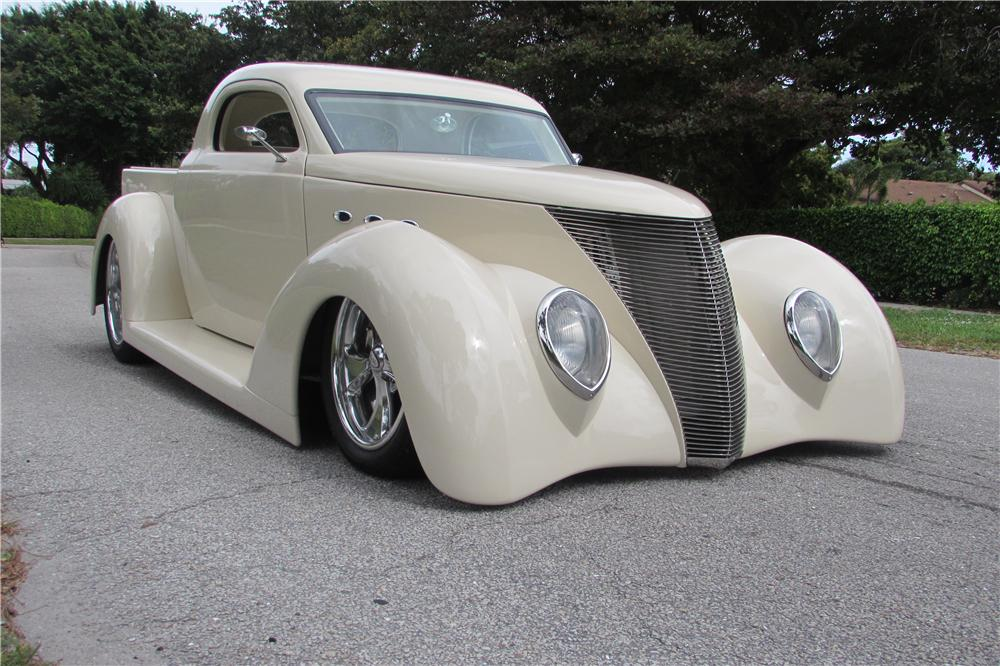 1937 FORD CUSTOM PICKUP - Front 3/4 - 170833
