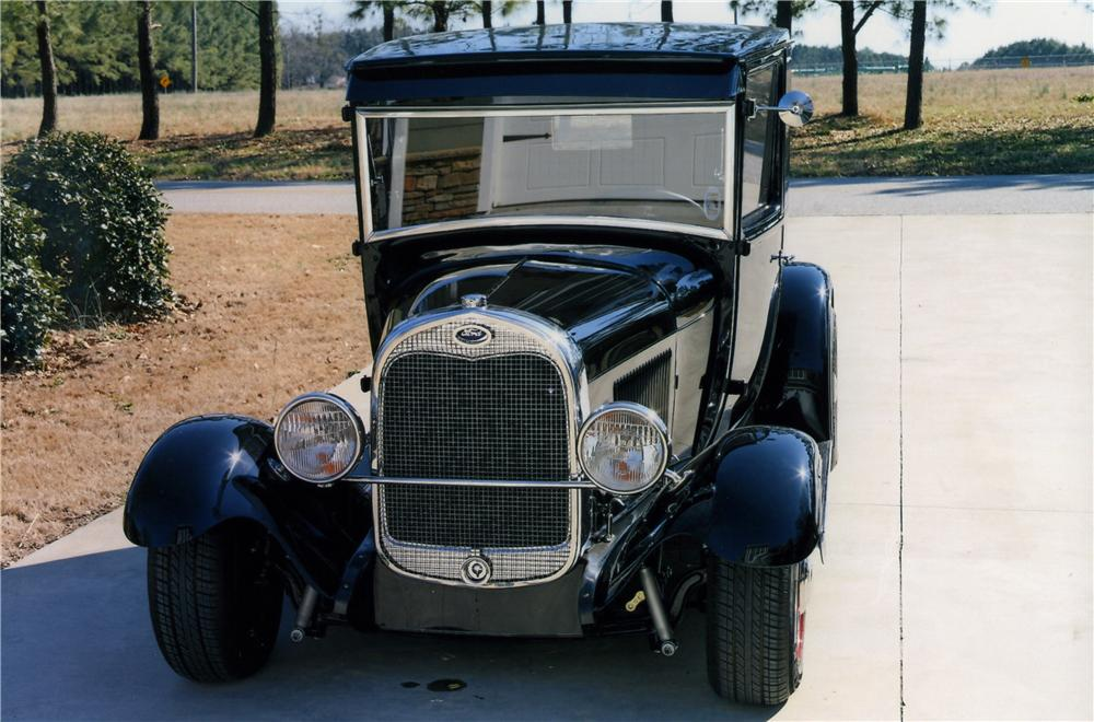 1929 FORD CUSTOM EXTENDED CAB PICKUP - Front 3/4 - 170838