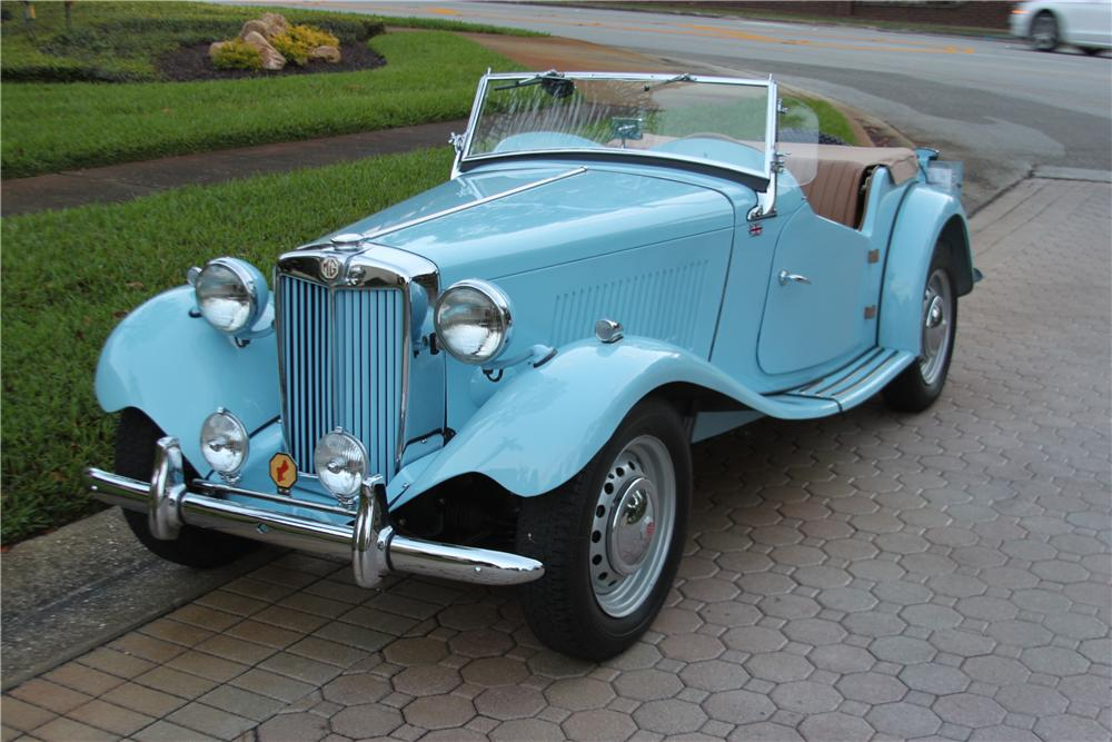 1951 MG TD CONVERTIBLE - Front 3/4 - 170846