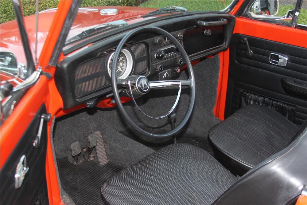 1971 VOLKSWAGEN BEETLE CONVERTIBLE - Interior - 170847