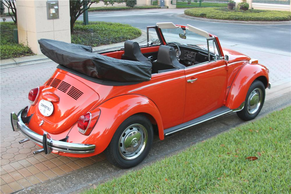 1971 VOLKSWAGEN BEETLE CONVERTIBLE - Rear 3/4 - 170847