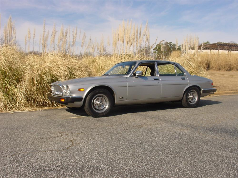 1981 JAGUAR XJ 6 4 DOOR SEDAN - Front 3/4 - 170854