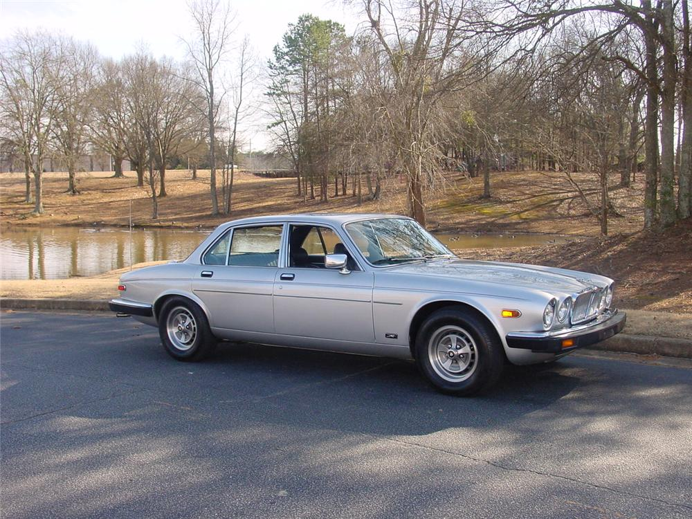 1981 JAGUAR XJ 6 4 DOOR SEDAN - Side Profile - 170854