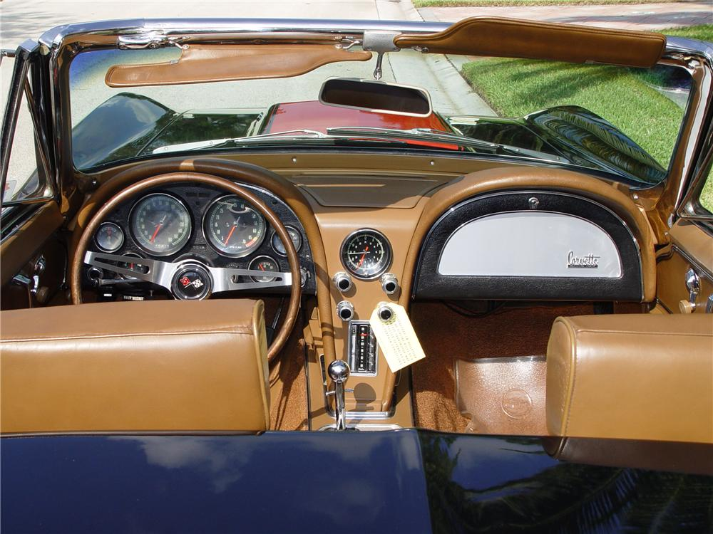 1967 CHEVROLET CORVETTE CONVERTIBLE - Interior - 170855