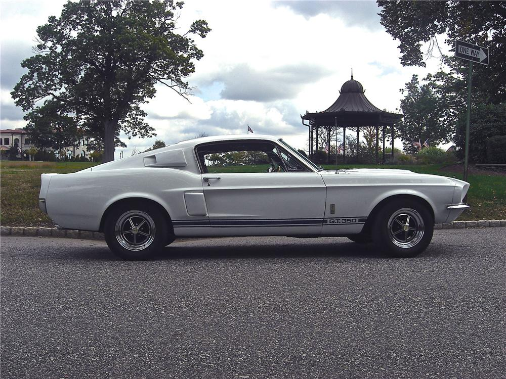 1967 SHELBY GT350 FASTBACK - Side Profile - 170944