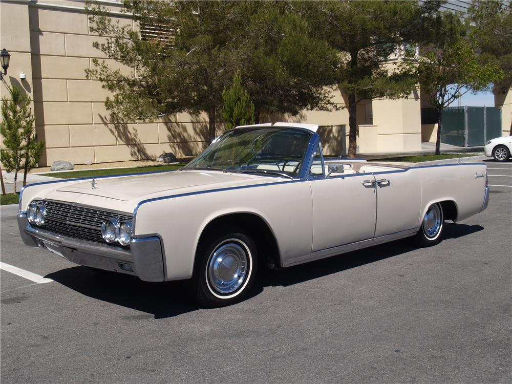 1962 LINCOLN CONTINENTAL CONVERTIBLE - Front 3/4 - 170952