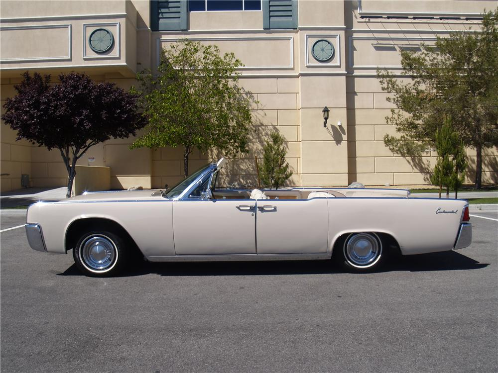 1962 LINCOLN CONTINENTAL CONVERTIBLE - Side Profile - 170952