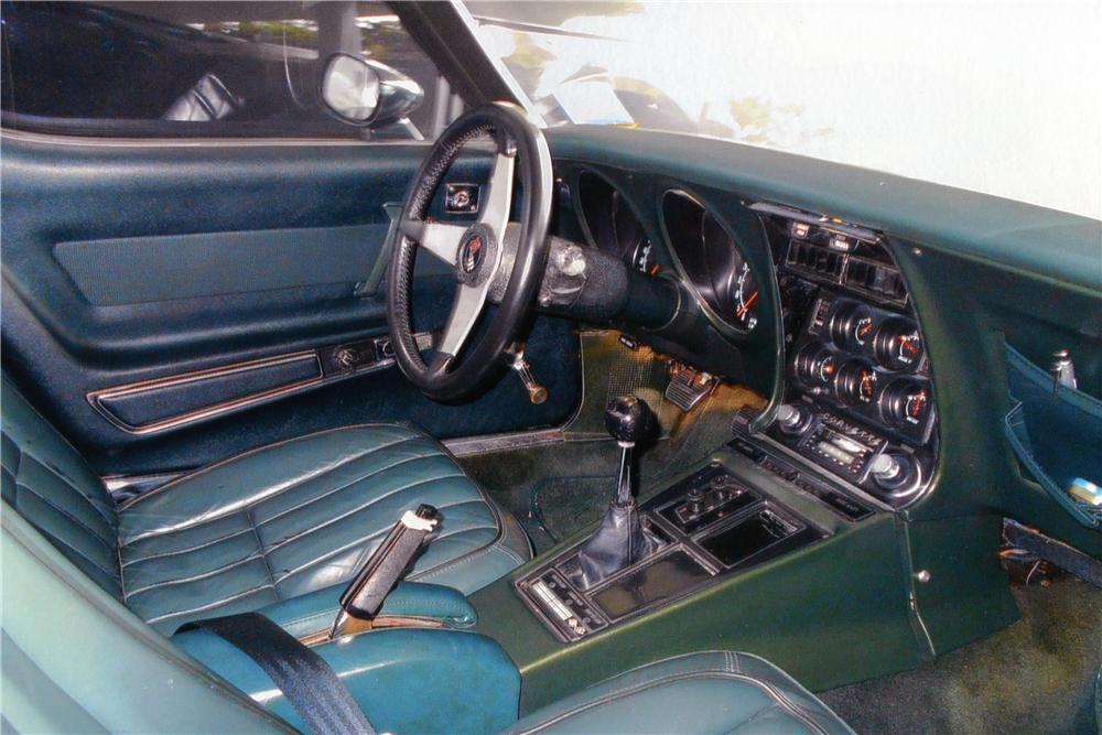 1969 CHEVROLET CORVETTE CUSTOM COUPE - Interior - 170960