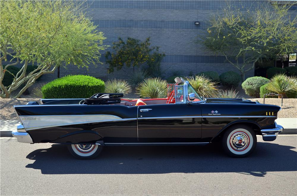 1957 CHEVROLET BEL AIR CONVERTIBLE - Side Profile - 170961