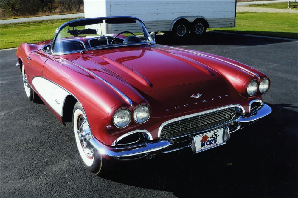 1961 CHEVROLET CORVETTE CONVERTIBLE - Front 3/4 - 174450