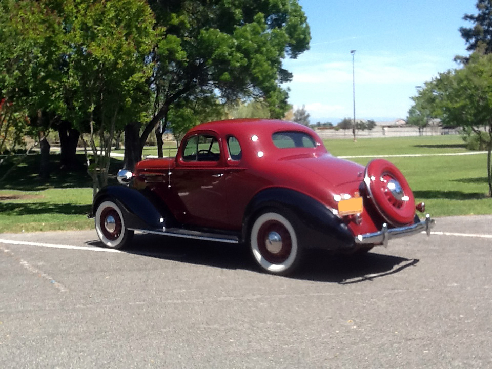 1936 CHEVROLET MASTER DELUXE 2 DOOR COUPE - Rear 3/4 - 174459
