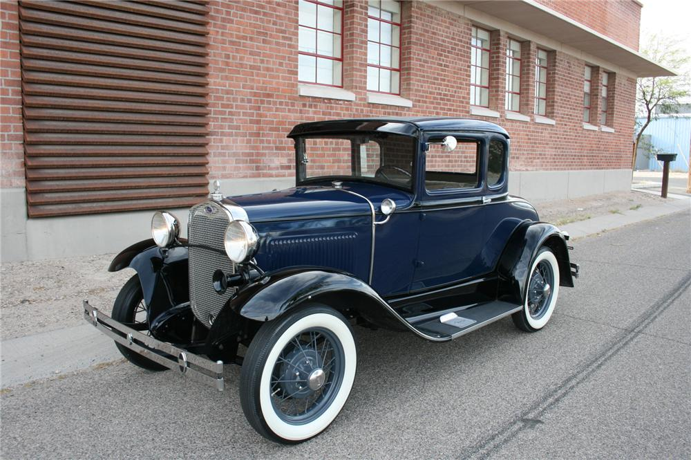 1930 FORD MODEL A COUPE - Front 3/4 - 174476
