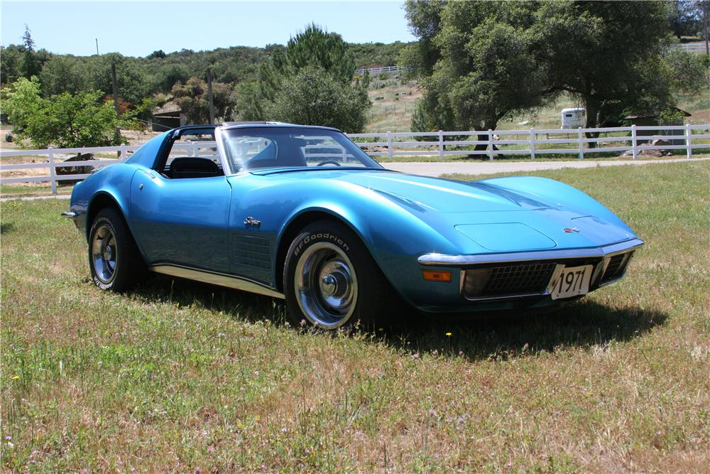 1971 CHEVROLET CORVETTE 2 DOOR COUPE - Front 3/4 - 174484