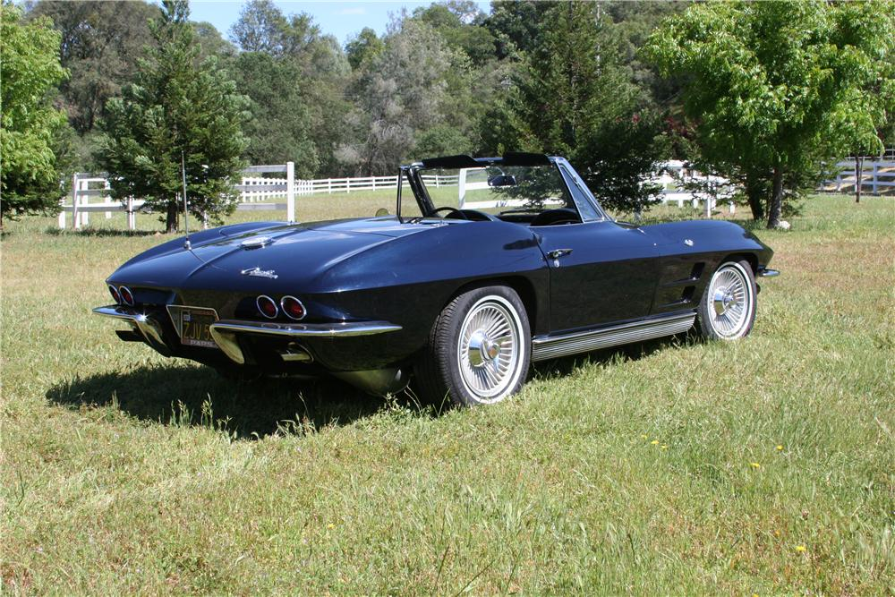 1963 CHEVROLET CORVETTE CONVERTIBLE - Rear 3/4 - 174486