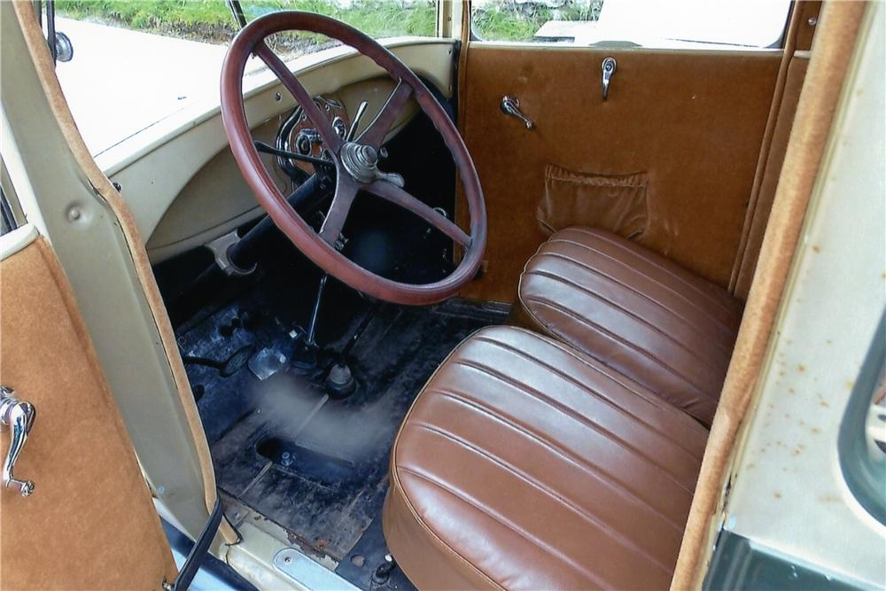 1928 FORD MODEL A 2 DOOR SEDAN - Interior - 174487