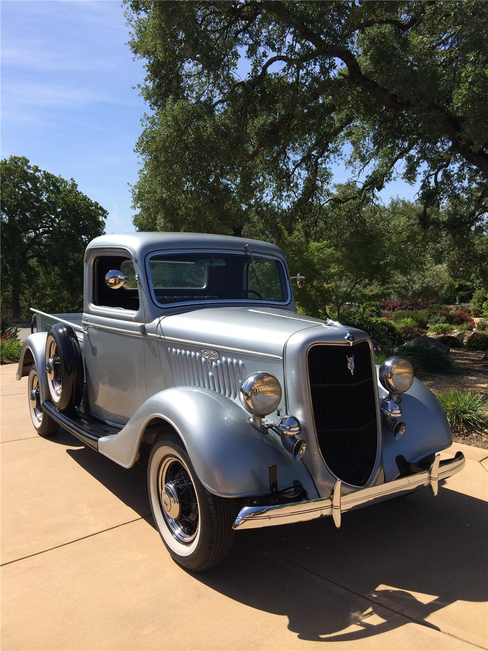 1935 FORD 1/2 TON PICKUP - Front 3/4 - 174494