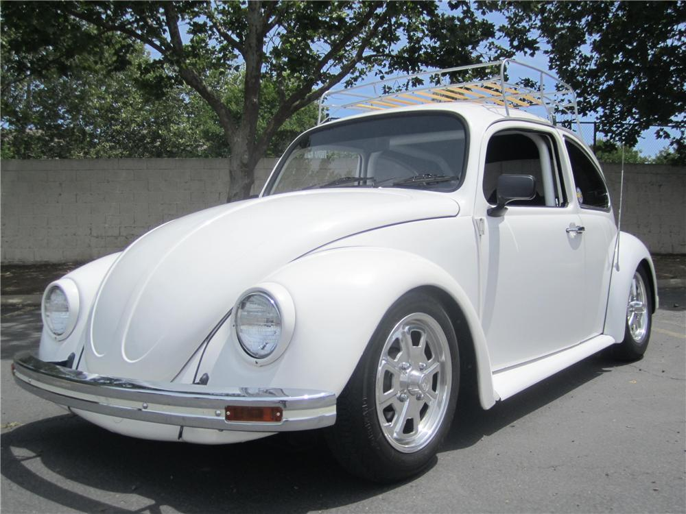 1969 VOLKSWAGEN BEETLE CUSTOM 2 DOOR SEDAN - Front 3/4 - 174504