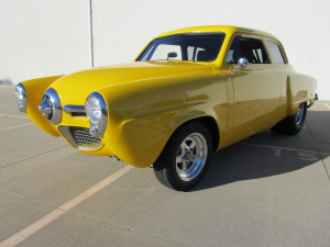 1950 STUDEBAKER CHAMPION CUSTOM 2 DOOR COUPE - Front 3/4 - 174536