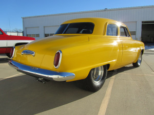 1950 STUDEBAKER CHAMPION CUSTOM 2 DOOR COUPE - Rear 3/4 - 174536