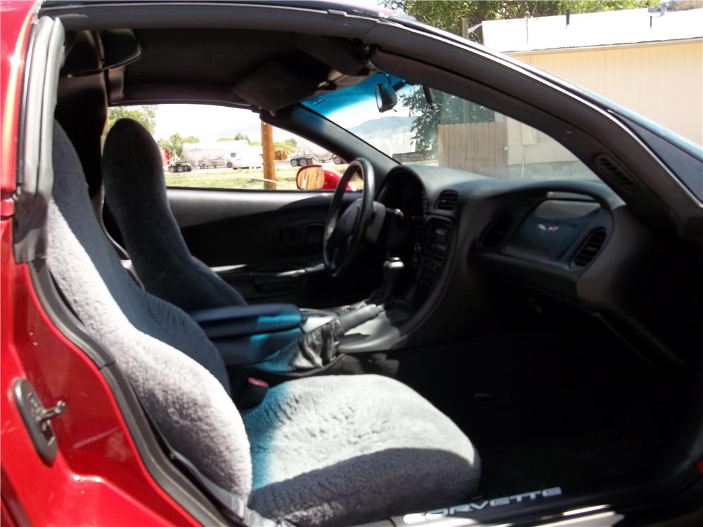 1997 CHEVROLET CORVETTE 2 DOOR COUPE - Interior - 174544