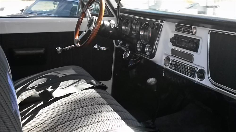 1970 GMC 1500 CUSTOM PICKUP - Interior - 174547
