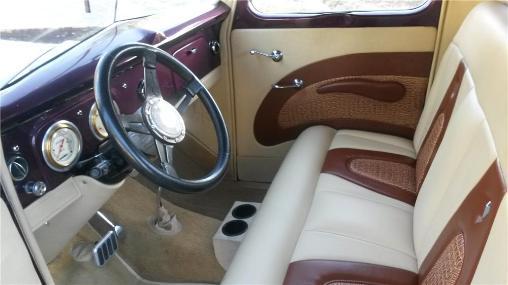 1938 FORD CUSTOM PICKUP - Interior - 174552