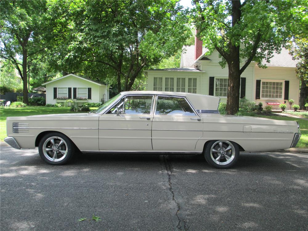 1965 MERCURY MONTCLAIR CUSTOM 4 DOOR SEDAN - Side Profile - 174554