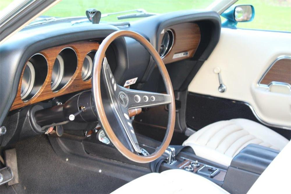 1970 SHELBY GT350 FASTBACK - Interior - 174566