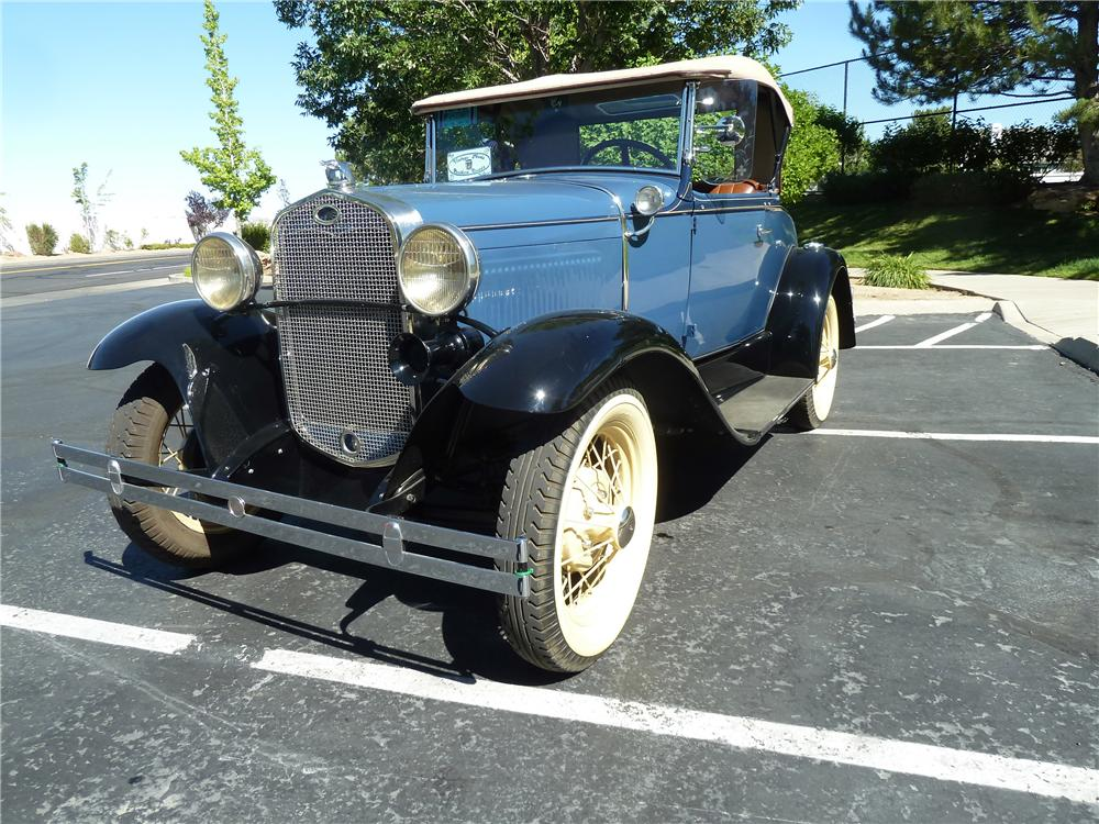 1931 FORD MODEL A ROADSTER - Front 3/4 - 174568