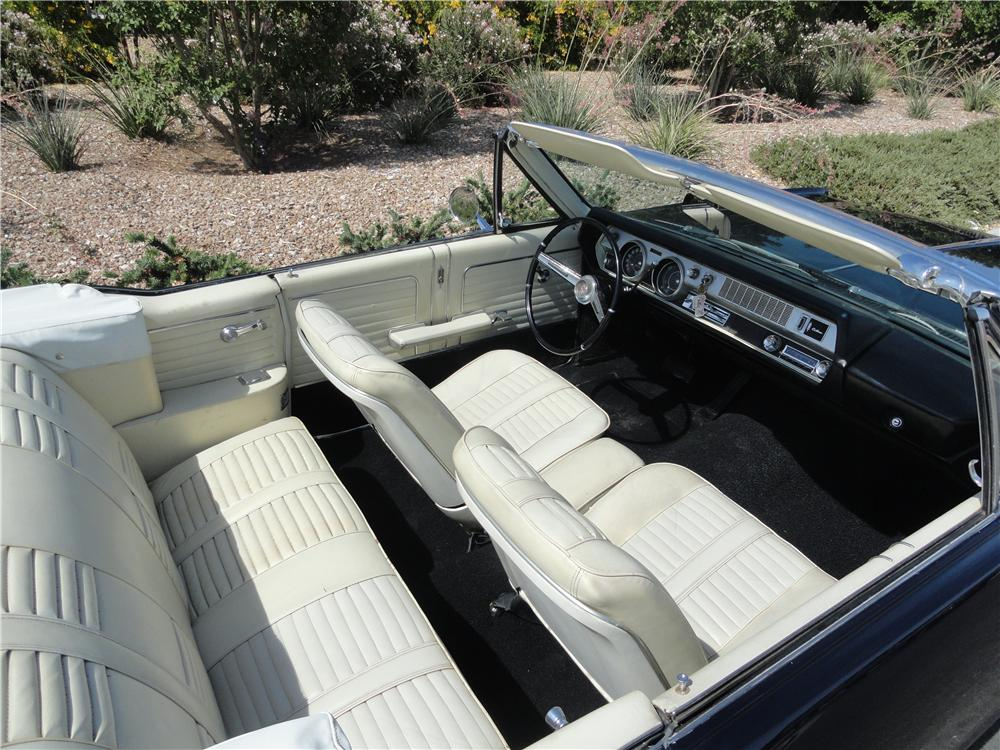 1966 OLDSMOBILE CUTLASS CONVERTIBLE - Interior - 174577