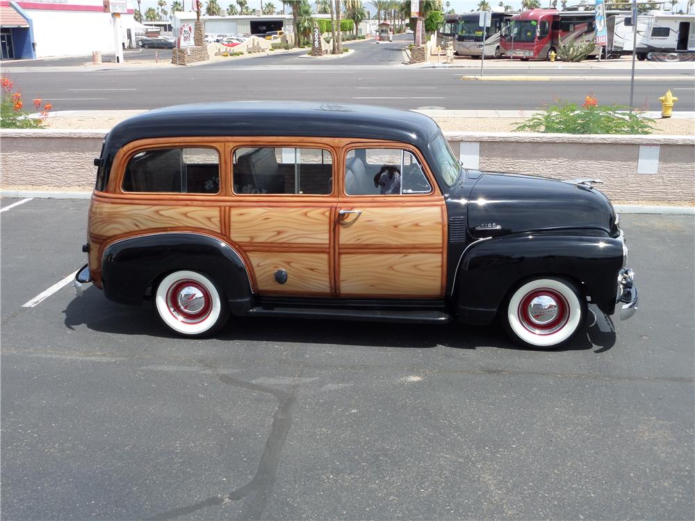 1954 CHEVROLET SUBURBAN CARRYALL  - Side Profile - 174578