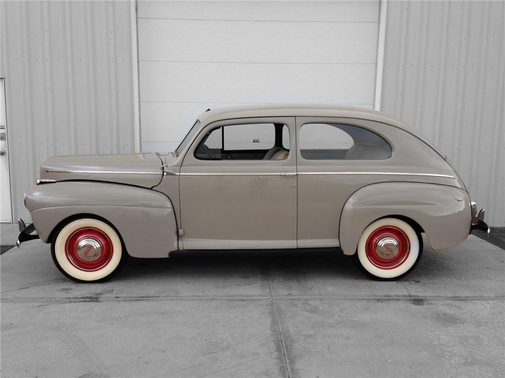 1941 FORD DELUXE 2 DOOR SEDAN - Side Profile - 174582