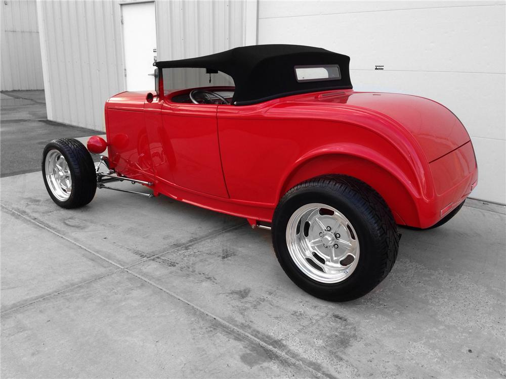 1932 FORD HI-BOY CUSTOM ROADSTER - Rear 3/4 - 174593