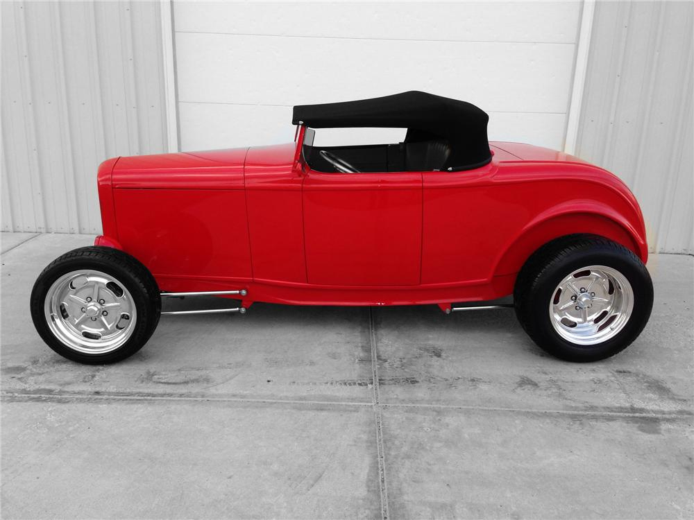 1932 FORD HI-BOY CUSTOM ROADSTER - Side Profile - 174593