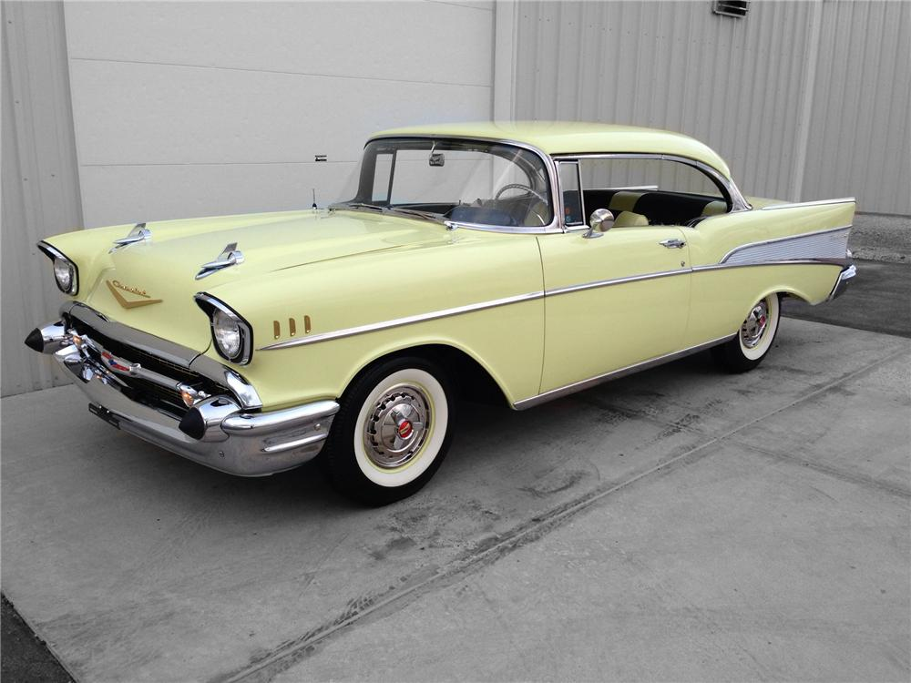 1957 CHEVROLET BEL AIR 2 DOOR HARDTOP - Front 3/4 - 174595