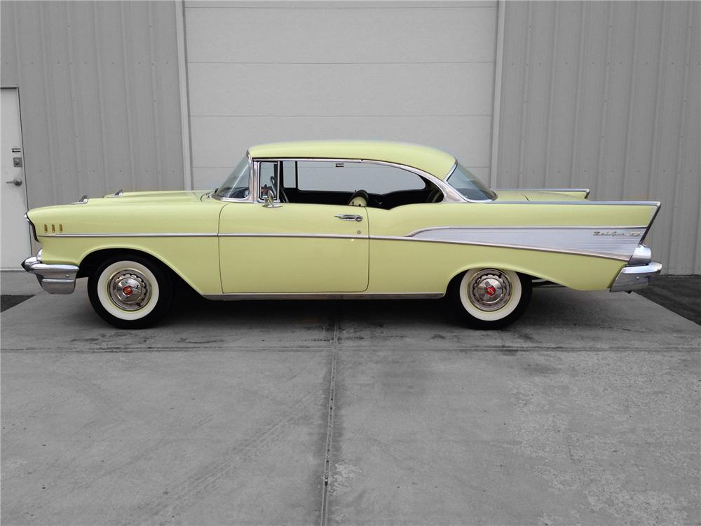 1957 CHEVROLET BEL AIR 2 DOOR HARDTOP - Side Profile - 174595
