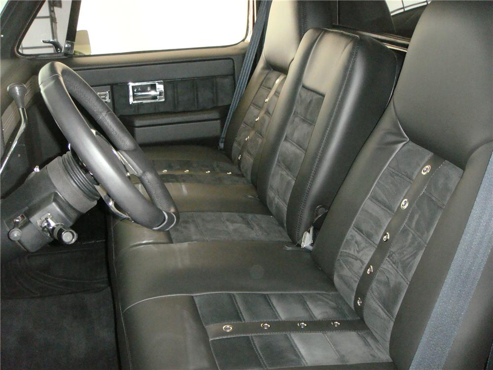 1987 CHEVROLET C-10 CUSTOM PICKUP - Interior - 174616