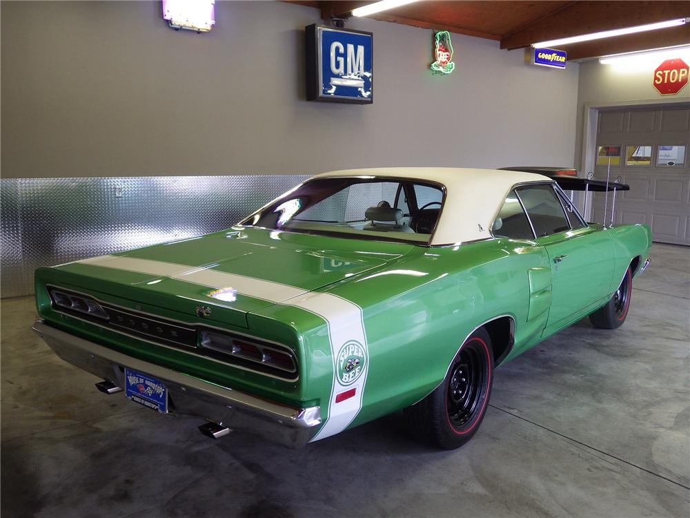 1969 DODGE SUPER BEE 2 DOOR HARDTOP - Rear 3/4 - 174623