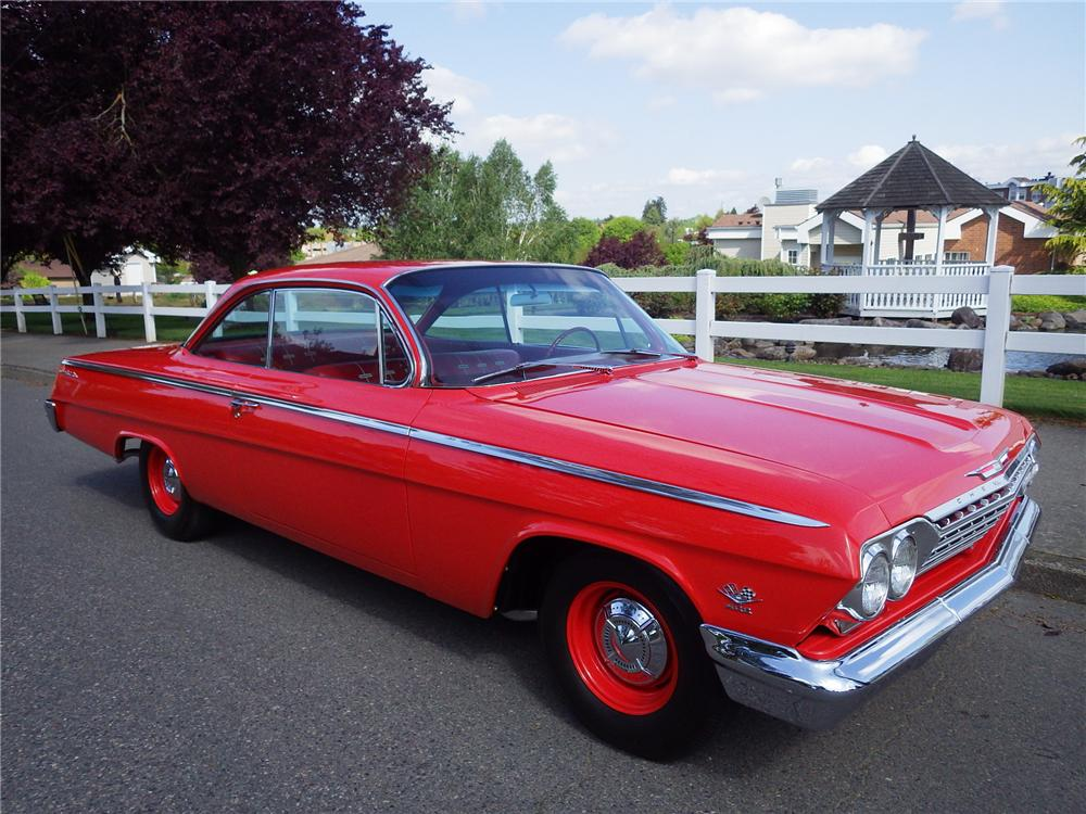 1962 CHEVROLET BEL AIR 2 DOOR BUBBLETOP - Front 3/4 - 174625