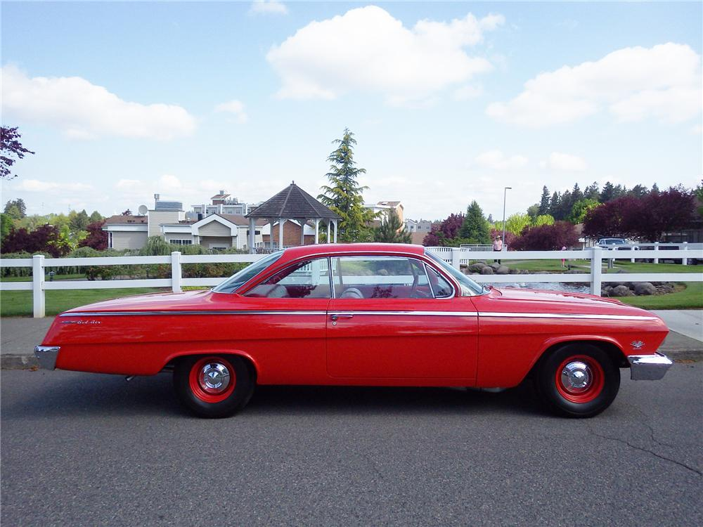 1962 CHEVROLET BEL AIR 2 DOOR BUBBLETOP - Side Profile - 174625