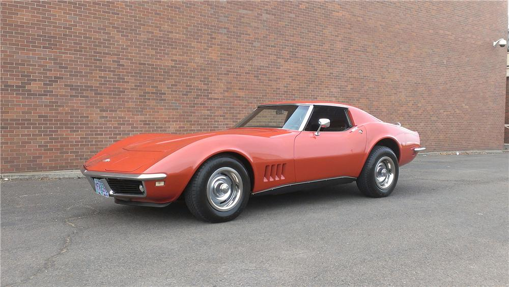 1968 CHEVROLET CORVETTE 2 DOOR COUPE - Front 3/4 - 174642