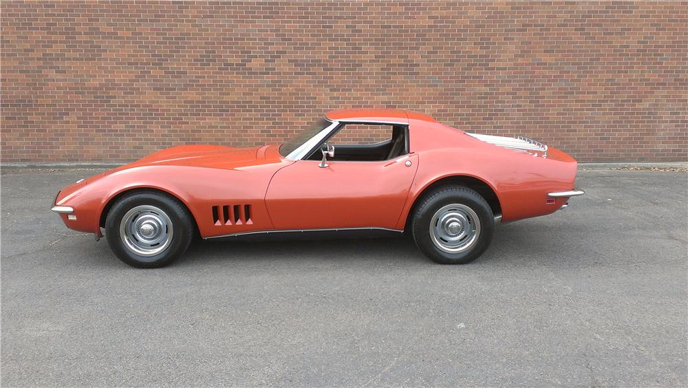 1968 CHEVROLET CORVETTE 2 DOOR COUPE - Side Profile - 174642
