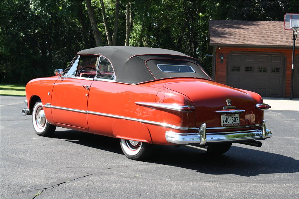 1951 FORD CUSTOM CONVERTIBLE - Rear 3/4 - 174648