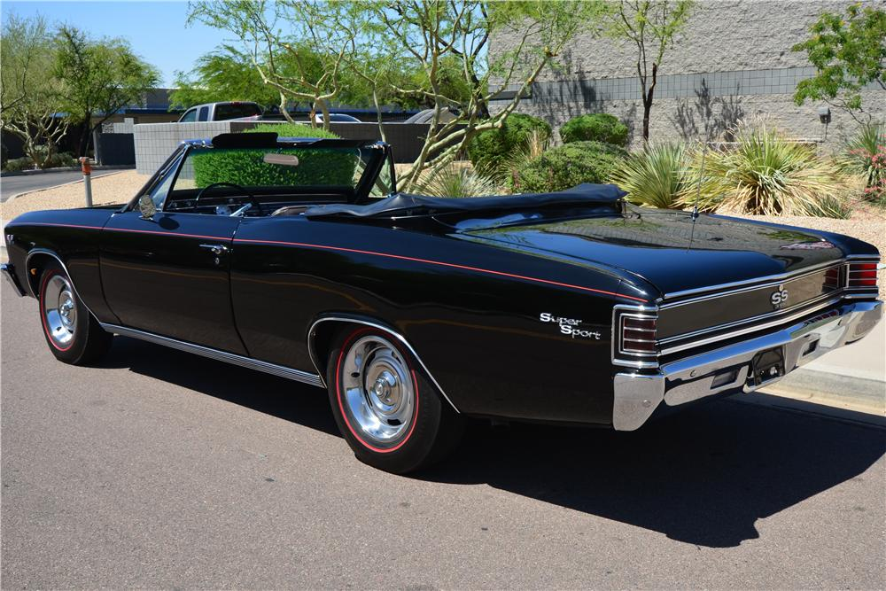 1967 CHEVROLET CHEVELLE MALIBU CUSTOM CONVERTIBLE - Rear 3/4 - 174655