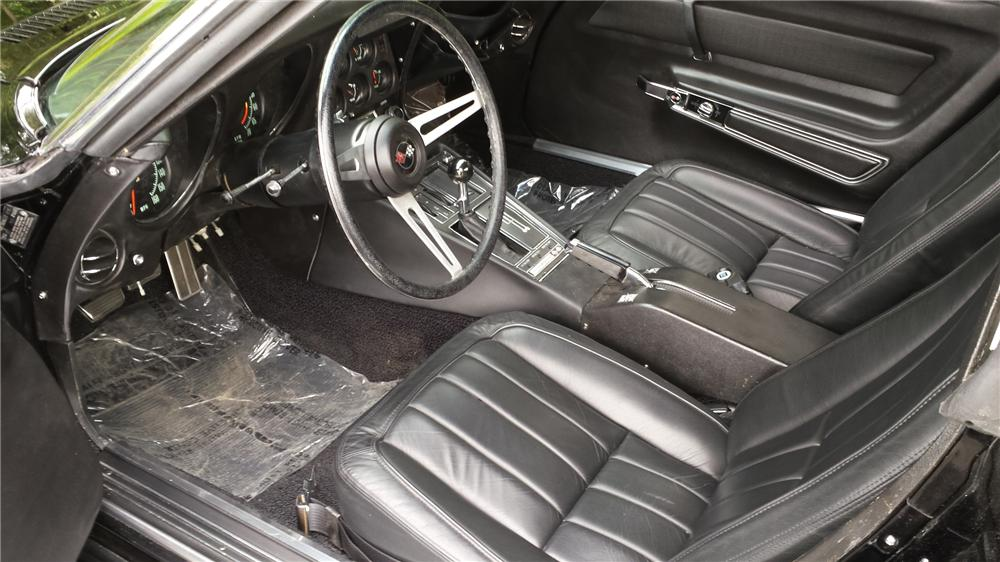1969 CHEVROLET CORVETTE 2 DOOR COUPE - Interior - 174665
