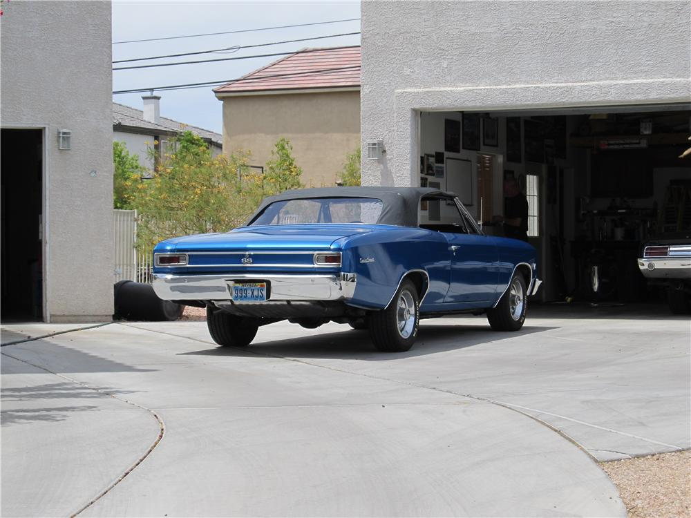 1966 CHEVROLET CHEVELLE SS 396 CONVERTIBLE - Rear 3/4 - 174667
