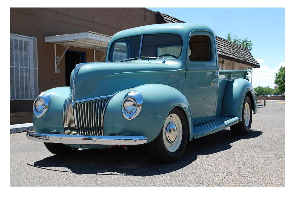 1940 FORD CUSTOM PICKUP - Front 3/4 - 174670