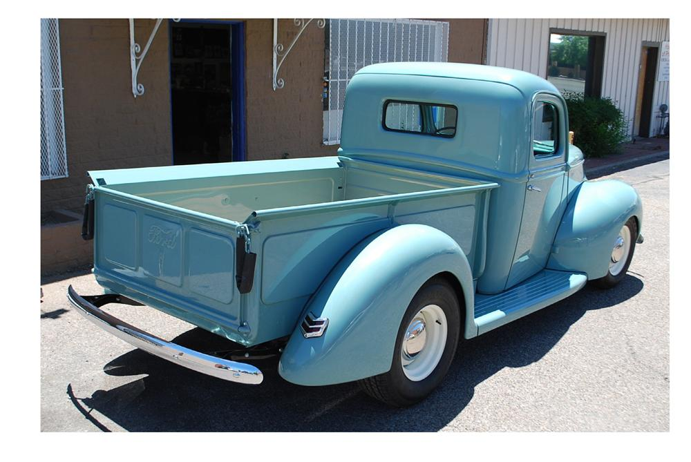 1940 FORD CUSTOM PICKUP - Rear 3/4 - 174670
