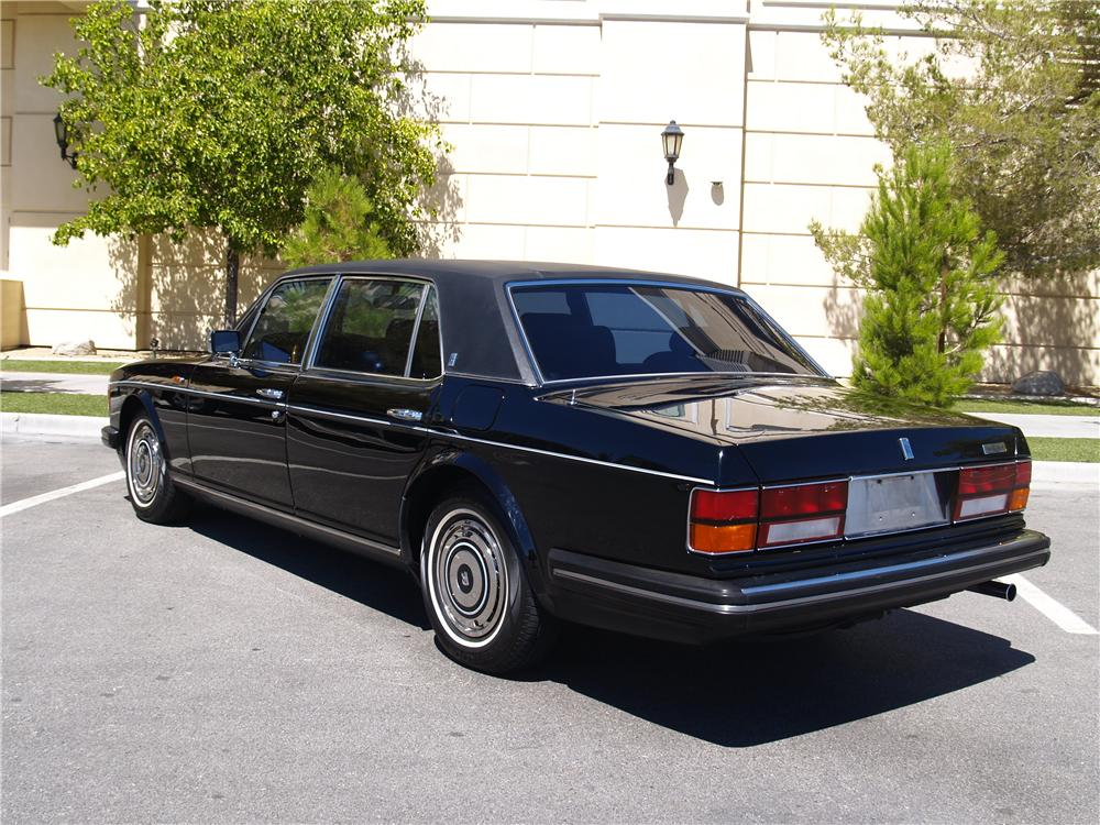 1989 ROLLS-ROYCE SILVER SPUR 4 DOOR SEDAN - Rear 3/4 - 174672