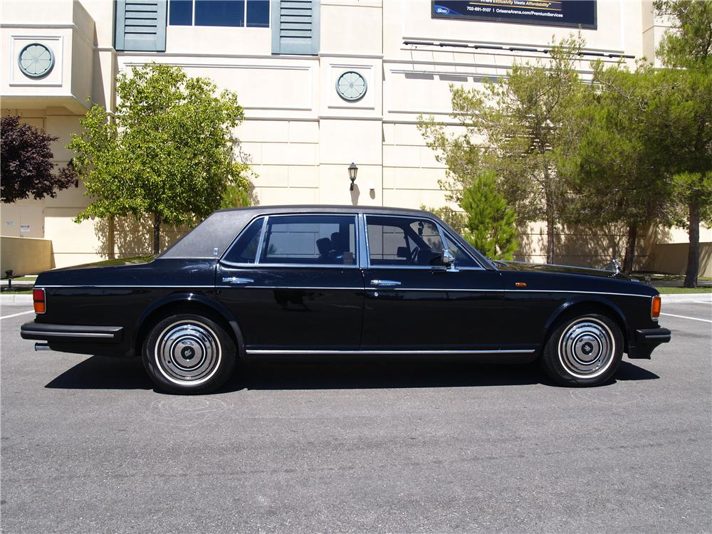 1989 ROLLS-ROYCE SILVER SPUR 4 DOOR SEDAN - Side Profile - 174672